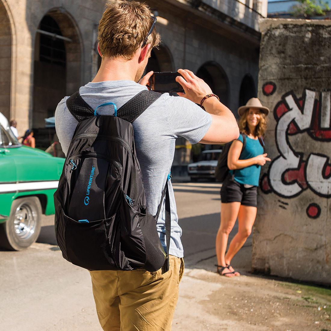 23e5dd4fa Sbalitelný batoh Lifeventure Packable Backpack černý, 231 g | Pod 7 kilo